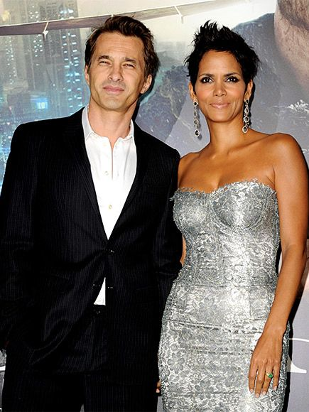 Halle Berry and Olivier Martinez Are Divorcing After Two Years of Marriage http://www.people.com/article/halle-berry-olivier-martinez-divorce