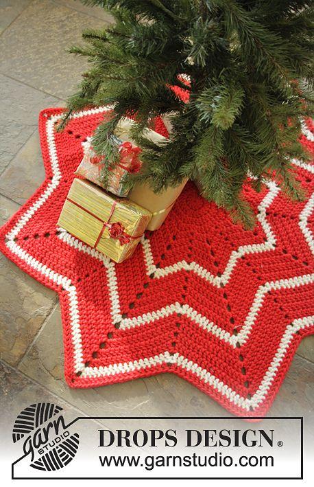 34 best Crochet Christmas Tree Skirts images on Pinterest ...