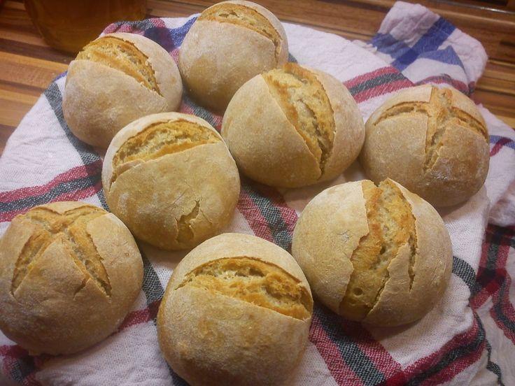 I když vím, že nad čerstvý chléb či pečivo není, rozhodla jsem se upéct dalamánky a část jich zamrazit. Děti si je ráno rozmrazí vmikrovlnc...