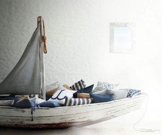 just a cozy little boat, the place for reading fairytales...