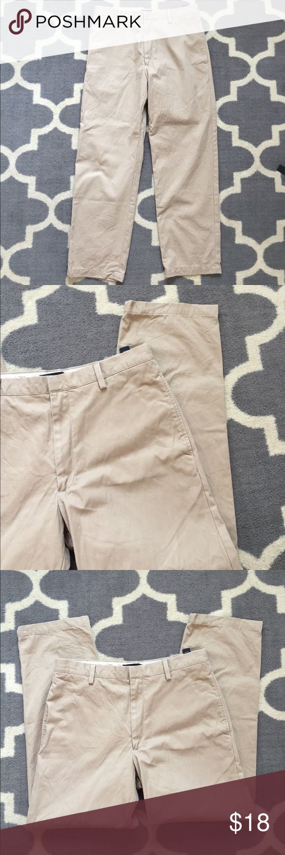 Banana Republic Men's Khaki Pants Cotton 34x30 Men's khaki chino pants from Banana Republic in Straight Fit Gavin style - men's size 34x30. Single clasp and zip front closure with belt loops, side and rear pockets. Banana Republic Pants Chinos & Khakis