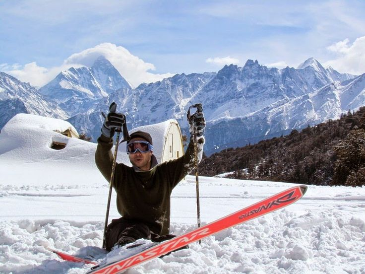 #Auli training grounds was adjudged by the French and Austrian experts who compared it with the #best #skiing grounds of the #world, and rated it as one of the best. Auli has also got the honour of hosting the first SAF Winter Games in India in 2011.   How we run the Snow Skiing? 🏂 🎿  Snow skiing course run by professional instructor and wilderness first aid certified trek leader along with cooking staff and supporting staff.  Best Time for Snow Skiing? ⏰ January to April