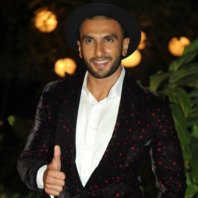 Good morning people ! I hope you have a #Ranveerian #day... Lots of #love #happiness and #success! #ranveer #ranveersingh #baba #bollywood #actor #hindi #superstar