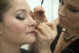 15 Ways to Market yourself as a Freelance Makeup Artist