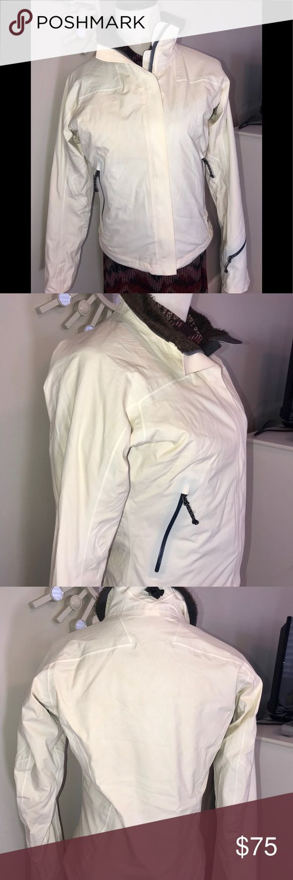 NWOT MOUNTAIN HARD WEAR JACKET XS CREAM BROWN THIS JACKET IS BRAND NEW NEVER WORN OR WASHED. NWOT. CREAM JACKET WITH CHOCOLATE BROWN LINER. 2 INSIDE ZIP POCKETS. OUTSIDE POCKETS, A ZIP POCKET ON SLEEVE. ADJUSTABLE WAIST. XS PLEASE SEE PICS FOR DETAILED MEASUREMENTS. GORGEOUS JACKET. Mountain Hardwear Jackets & Coats