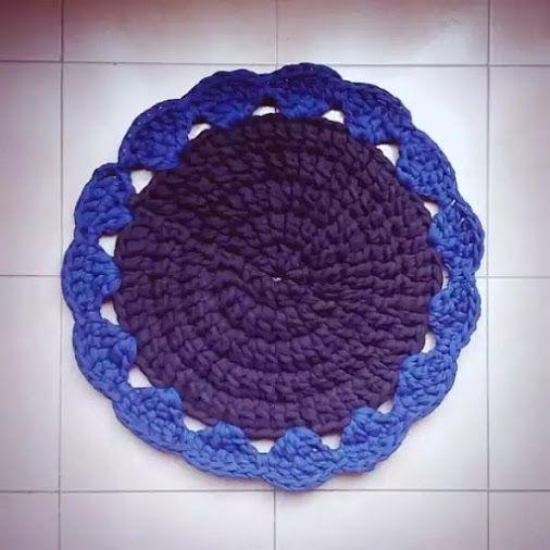 Alfombra azúl y negra | Alfombra azul, Alfombras, Uñas azules