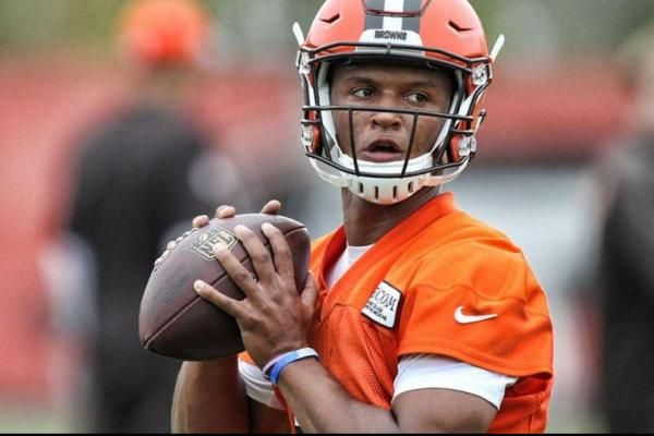 Hue Jackson says he needs to see more consistency from Cleveland Browns second-round rookie DeShone Kizer.