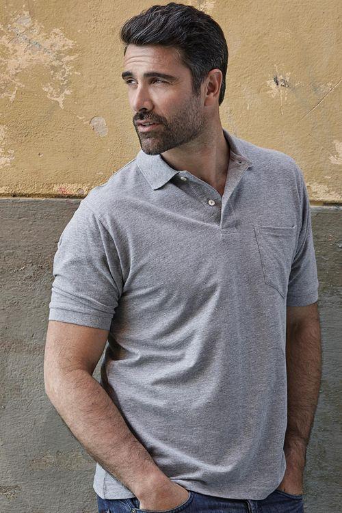 Tricou polo de bărbați cu buzunar Tee Jays din 60% bumbac și 40% poliester pique. Recomandat atât pentru îmbrăcămintea de lucru, cât și pentru cea promoțională. #tricouri #polo #personalizate #teejays #brodate