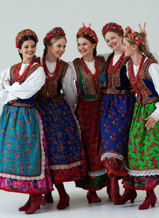 Polish girls in folk costume from Kraków, Poland.
