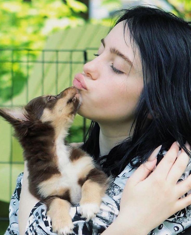 "alaska en Instagram: ""this is so cute HER FACE #billieeilish @billieeilish"""
