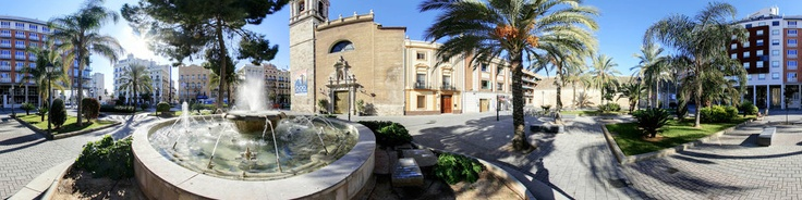 Placa del Tribunal de les argues in Valencia, with the Iglesia (CHURCH) Santa Maria del Mar, the very popular restaurant-bar la bocata del puerto en Hotel Acta Atarazanas. Hotel Acta Atarazanas. is a magnificent 4 * hotel located near the Royal Shipyards and the important commercial port and marina of ValenciaExterior current design combining elegance and simplicity, Hotel Acta Atarazanas has 42 elegant rooms, all equipped with modern and fri...