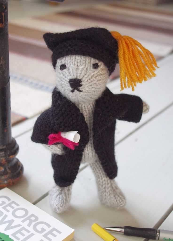 10 best knitted teddy bears images on pinterest bookstores my intellectual graduate knitted teddy bear from my free ebook easy knitted bears available on amazon fandeluxe Ebook collections