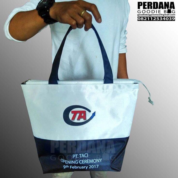 jual paper bag dan goodie bag custom Jual Goodie Bag Murah Custom Perdana Goodie Bag jual goodie bag murah di Kelapa Gading Jakarta Utara. Goodie bag dengan berbagai pilihan bahan tersedia di sini.…