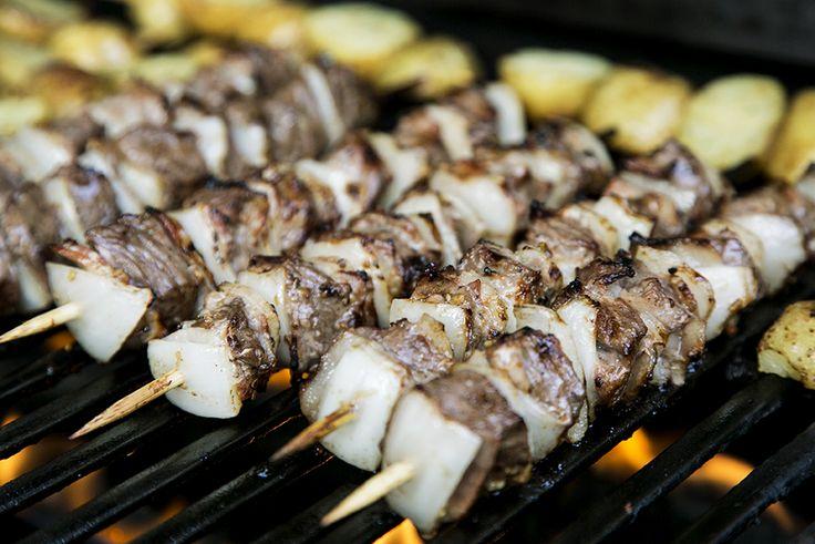 Brochettes de boeuf au bacon #recettesduqc #souper #brochette #boeuf #BBQ #bacon