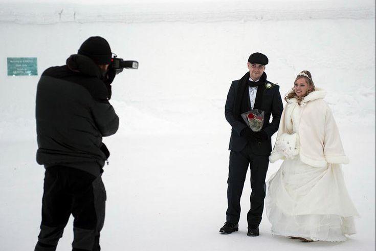 Troque alianças em um hotel de gelo na Suécia