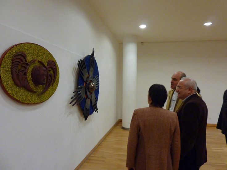 Jorge Garcia com o presidente da Câmara de Almada, Joaquim Judas e a presidente da Imargem a Artista Plástica Maria Aurora Bargado