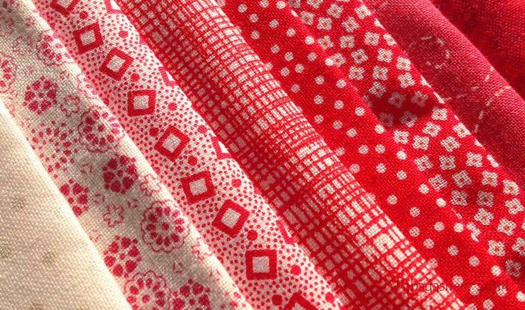 Блок 70 - красные и белые ткани