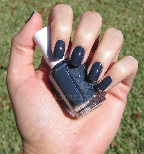 Essie-Bobbing-for-Baubles: Fun Hair, Essie Bobs For Baubles, Beautiful Ideas, Hair Makeup Nails Beautiful, Nails Polish, Pedi Colors, Awesome Beautiful, Dark Colors, Fabulous Winter