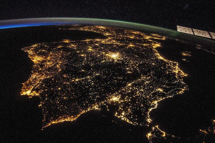PENÍNSULA IBÉRICA Fotografia noturna da Península Ibérica (Portugal e Espanha). Foto da NASA. - Portugal+ - Google+