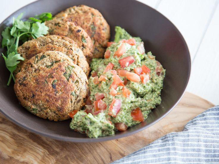 Vegane Frikadellen aus Auberginen mit Grünkohlpesto