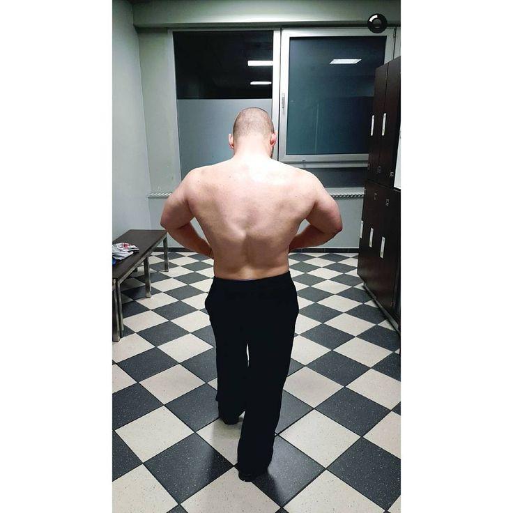 Verspätete Weihnachtsgrüße an alle Sportfreaks - Auch an den Feiertagen wird natürlich fleißig trainiert  . VXS Gymwear - 10% mit TORGE10 . . . #fitness #kiel #mcfit #fit #powerlifting #power #flex #back #christmas #santa #passion #fitnesslifestyle #shredded #posing #fitnessmotivation #instafitness #motivation #bodybuilding #gymrat #fitnessaddict #nopainnogain #noexcuses #pushpullgrind #strong #bigboy #fitspiration #vxsgymwearbrandambassador #vxsgymwear #teamvxs @vxsgymwear
