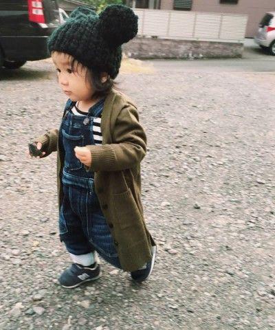赤ちゃんに着せたいカーディガンのアイデア☆ロングカーディガンはまだ歩かない赤ちゃんのお包みにも◎