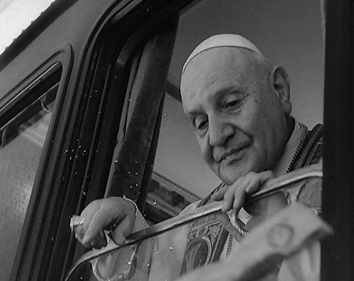 "pope john xxiii contribution John xxiii – angelo giuseppe roncalli ""good pope john"" / ""papa roncalli"" / blessed john xxiii 25111881 – 03061963 1 explain the contribution to the development and the expression of."