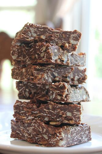 Best-Ever Chocolate Oatmeal No-Bake Bars - honey, oats, coconut oil- no refined sugars or flours, yum!