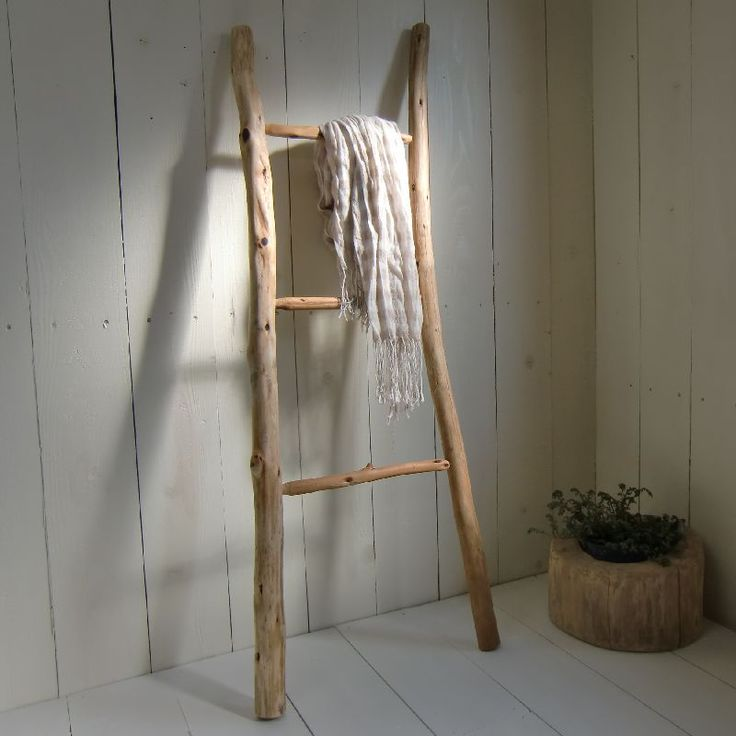 Drift wood ladder for towels or blankets