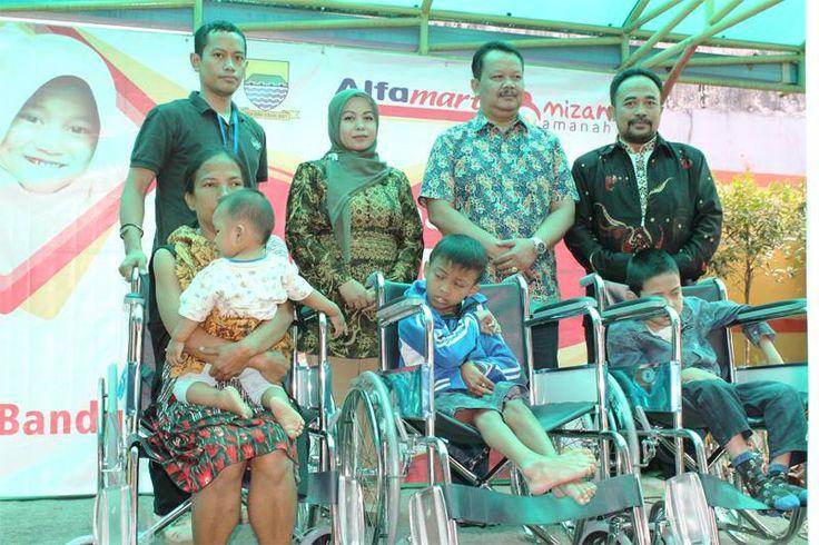 Sinergi membantu kaum disabilitas. - Rumah Yatim Mizan Amanah