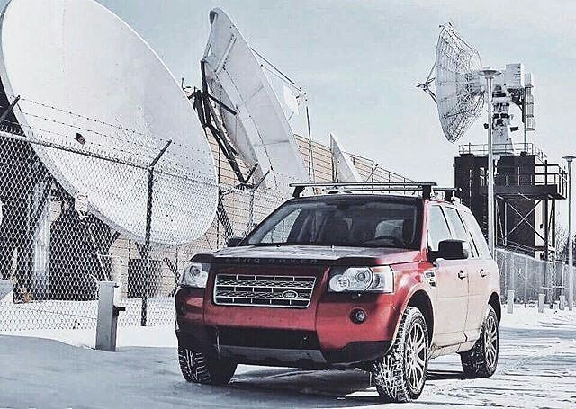 @the_canadian_freelander at an arctic research site in their very proven #LR2. #landrover #freelander2 #FL2 #landroverphotoalbum #4x4