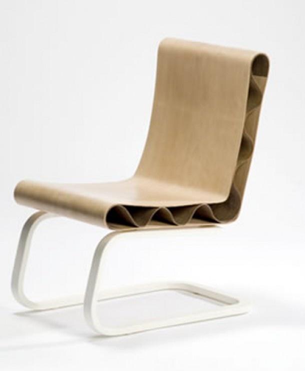 Golvende stoel van Floris Wubben. Door Yvette