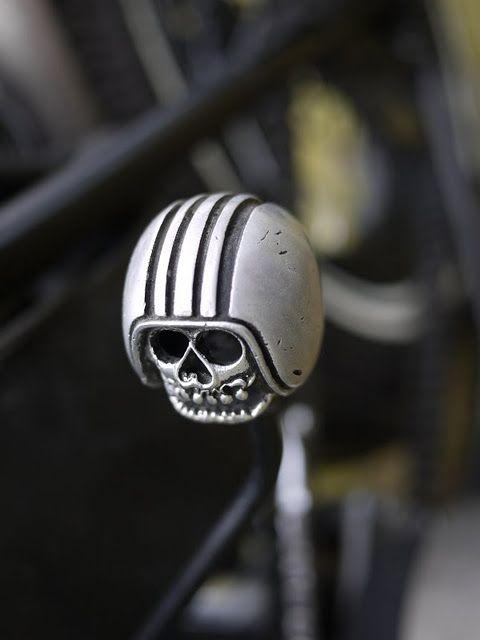 Skull with helmet shift knob