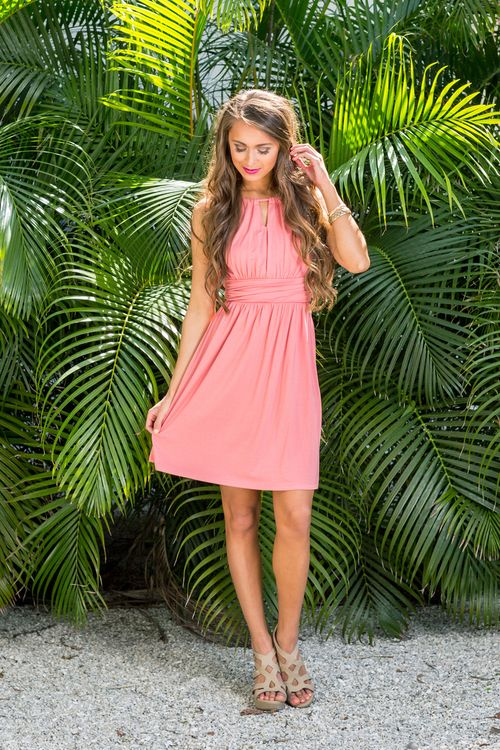 This adorable dress is such a timeless look for spring! We adore the classic rose color paired with soft and stretchy material - it's so easy to love wearing this all day long! The material is lightwe