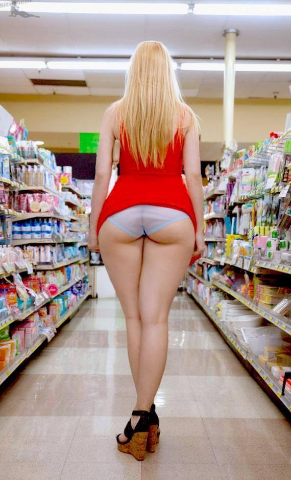 naked toddler girl bent over