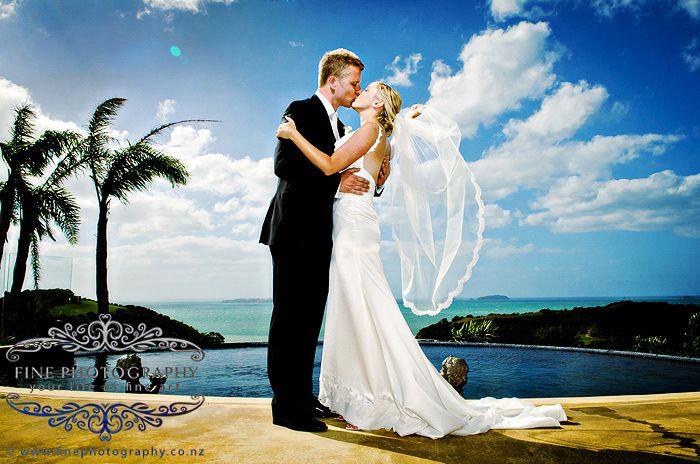 Delamore Lodge Waiheke wedding photos: Renee and Steve photography by Bruce Gabites
