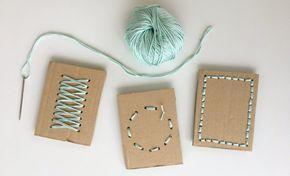 Le carte da cucire sono un'attività di vita pratica proposta nelle scuole Montessori per sviluppare la motricità fine e per introdurre il bambino alle attività di cucito vero e proprio che seguiranno più avanti. Si tratta di un materiale molto semplice che può essere facilmente realizzato con oggetti che abbiamo già in casa. Occorrente Un …
