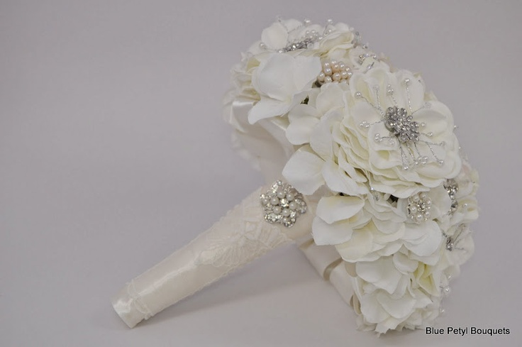 Magnolia Bling in all white:) #wedding #bouquet