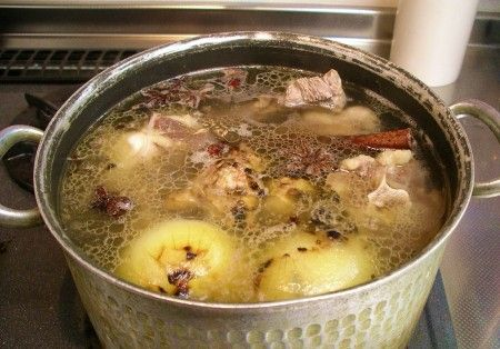 Bone Broth – Superfood, Super Easy to Make! - http://www.buildingasimplelife.com/bone-broth-superfood-super-easy-to-make/