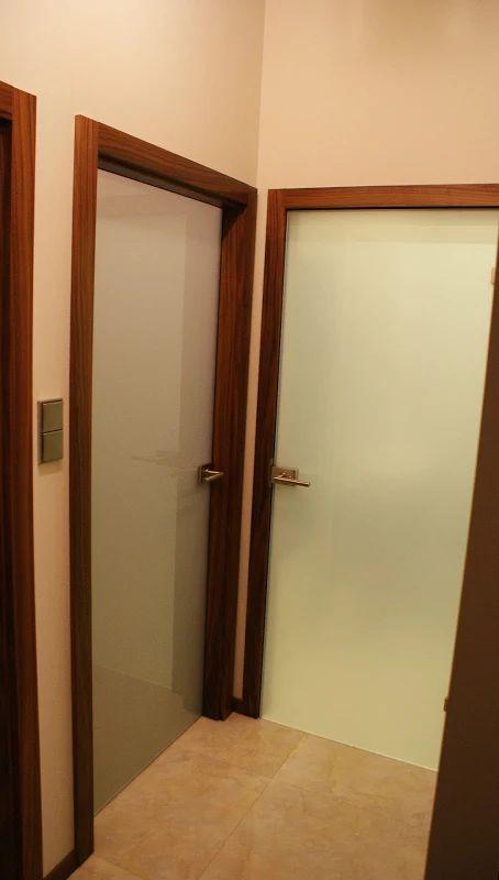 Zdjęcie: Ościeżnica regulowana, orzech amerykański