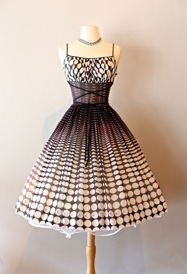 1950s Dress at Xtabay.