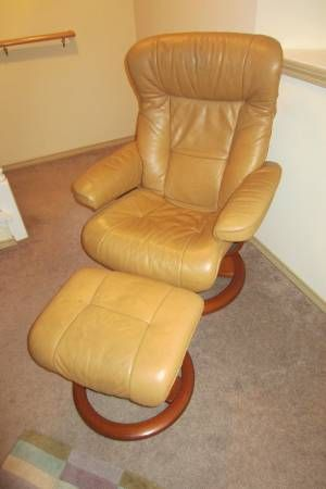 Danish Tan Recliner $400. Fremont. Donu0027t like color but like the & 15 best Vintage Danish Swivel Recliners images on Pinterest ... islam-shia.org