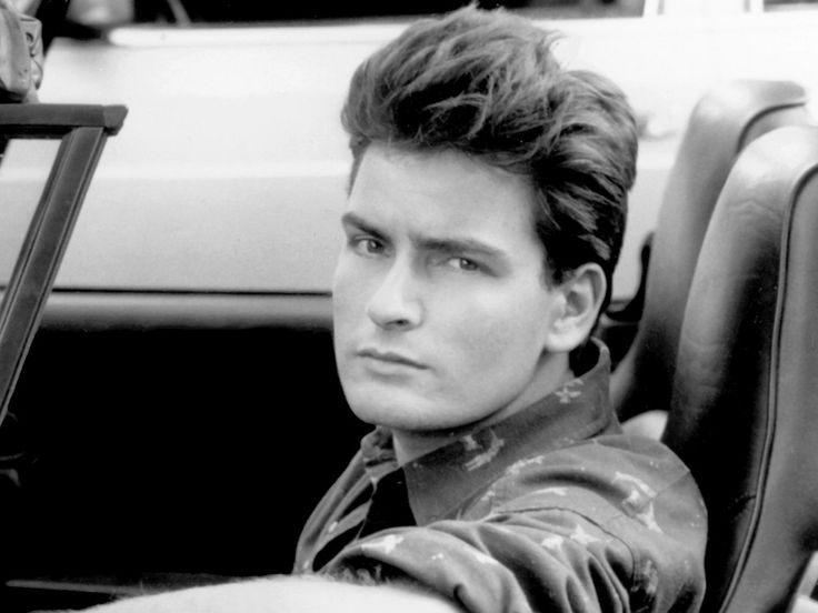 Who knew Charlie Sheen was a looker.... #PINNING