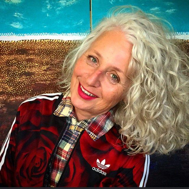 74 best Canas/Ondulado/Toca hombros (Curly gray hair ...