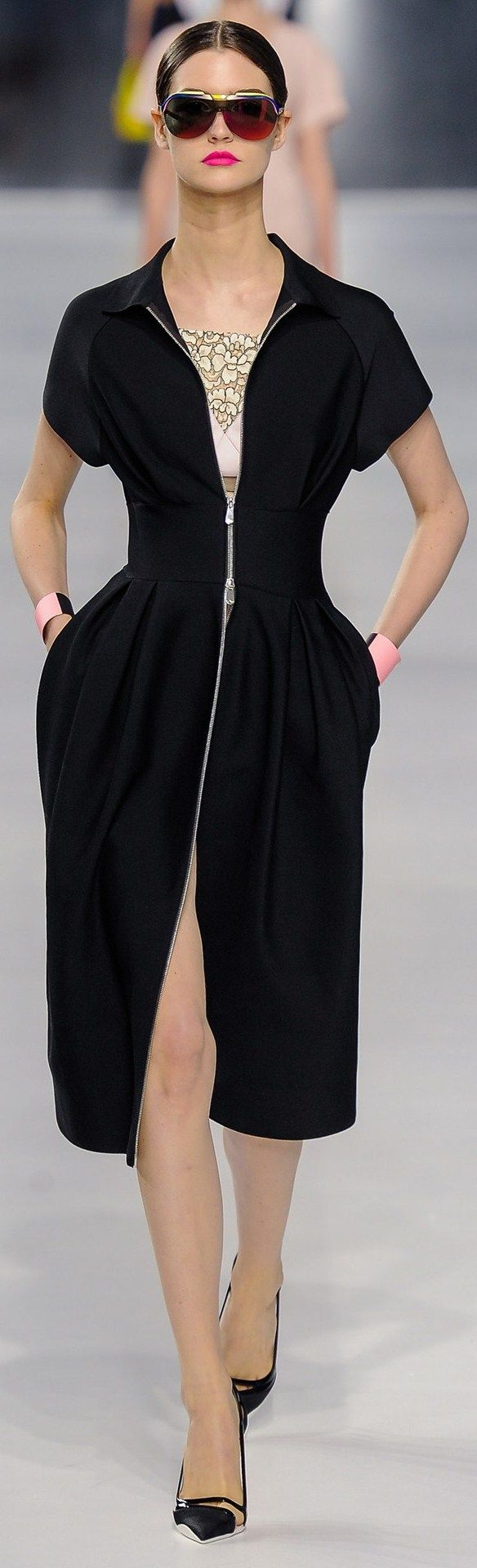 Christian Dior ●  Pre SPRING/SUMMER 2014  I like this dress.... Did you find the reason why?  ;-)