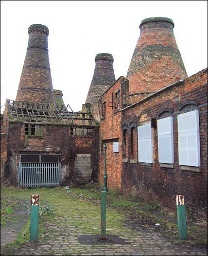 Kilns at the Enson works in Short Street, between Uttoxeter and Normacot Roads, Longton  photo: Espresso Addict  - Jan 2007