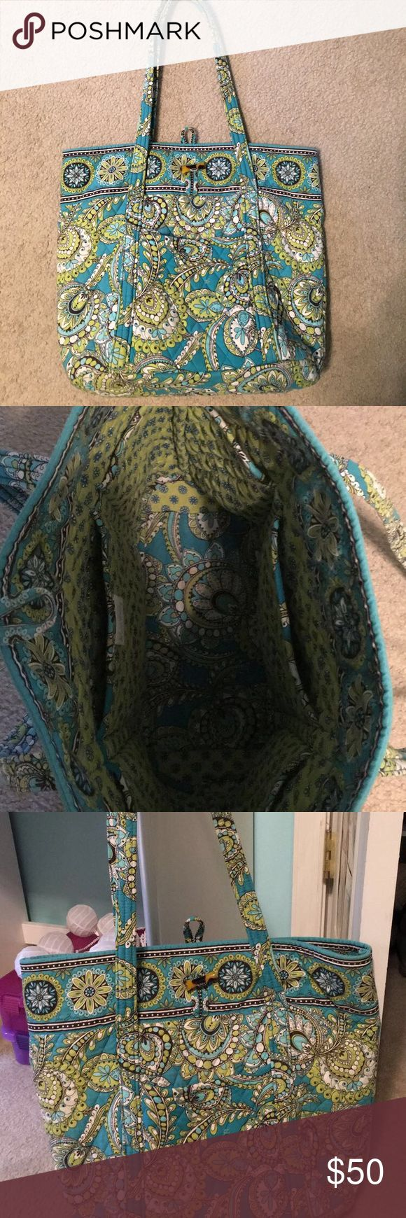 Vera Bradley tote bag Discontinued pattern Vera Bradley tote bag Vera Bradley Bags Totes