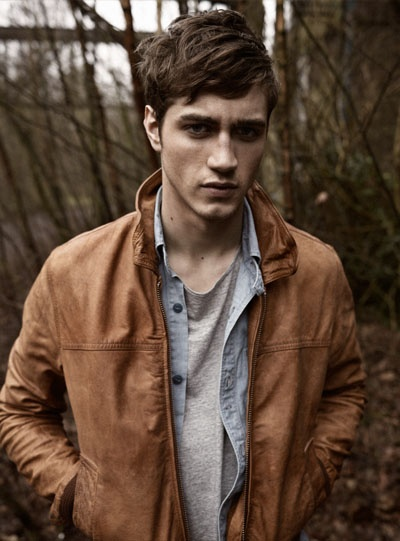 I really like the jacket, but I think I would have combined it better... this layering is just boring. #menswear #style #jacket