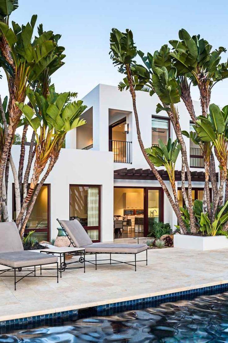 Stunning Modern Poolside Residence