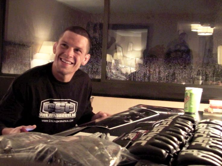 Quick pic from last night's autograph signing with Nate Diaz! #UFC #MMA